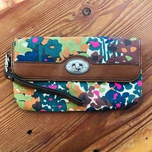 NWOT Fossil Clutch